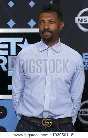 LOS ANGELES - JUN 25:  Deon Cole at the BET Awards 2017 at the Microsoft Theater on June 25, 2017 in Los Angeles, CA