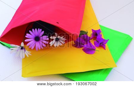 Simulation of sending flowers by mail to the loved one.