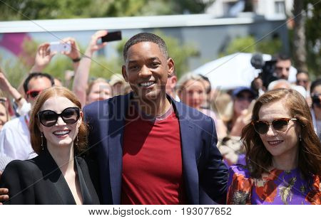 Jessica Chastain, Will Smith, Isabelle Huppertattend the 70th Anniversary photocall during the 70th annual Cannes Film Festival at Palais des Festivals on May 23, 2017 in Cannes, France.