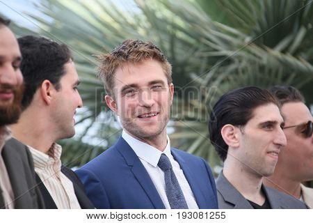 Joshua Safdie, Ben Safdie, Robert Pattinson, Buddy Duress, Oscar Boyson attend the 'Good Time' photocall during the 70th Cannes Film Festival at Palais des Festivals on May 25, 2017 in Cannes, France.
