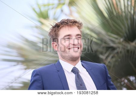 Robert Pattinson attend the 'Good Time' photocall during the 70th Cannes Film Festival at Palais des Festivals on May 25, 2017 in Cannes, France.