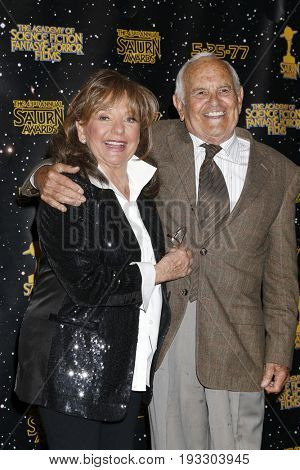 LOS ANGELES - JUN 28:  Dawn Wells, Ronnie Schell at the 43rd Annual Saturn Awards - Press Room at the The Castawa on June 28, 2017 in Burbank, CA