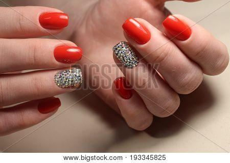 Manicure Design Red Lady