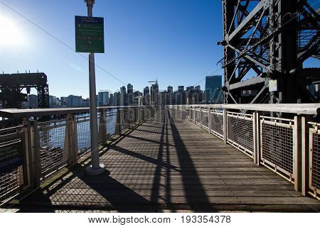 Transfer bridges and walkway pier at Gantry Plaza State Park