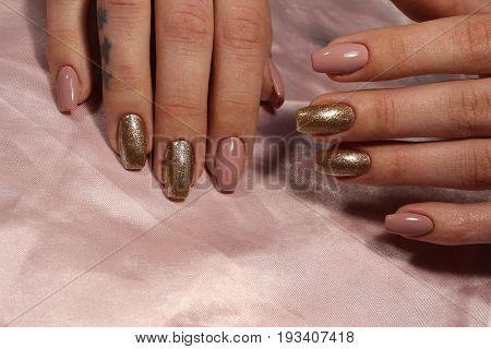 Manicure Design Delicate Classic