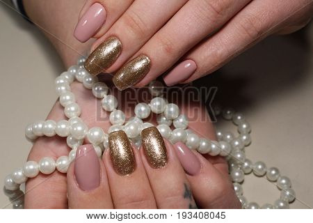 Manicure Design Brown And Gold Nails