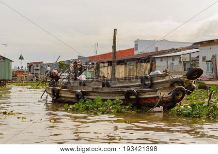 Flooting Market on the Mekong River near the city of Can Tho in the Mekong Delta in Vietnam