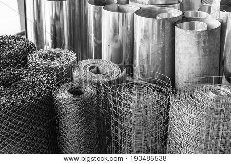 rolls of galvanized metal sheets steel chicken wire mesh and plastic wire mesh meterial for making divider and screen