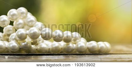Website banner of beautiful white pearls jewelry