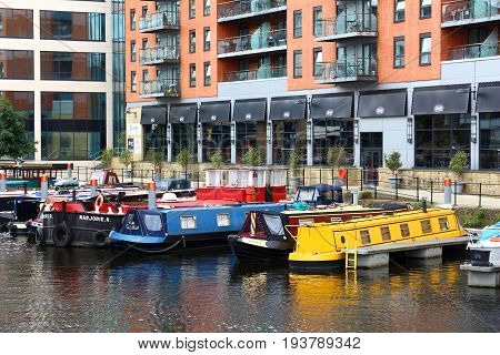 House Boats, Uk