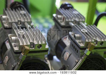 Heat zink fins of motors; selective focus