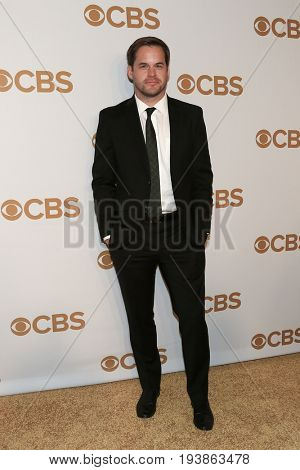 Actor Kyle Bornheimer attends the 2015 CBS Upfront at The Tent at Lincoln Center on May 13, 2015 in New York City.