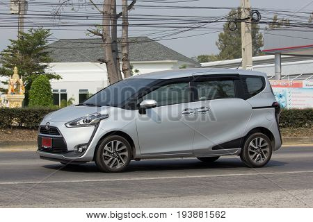 New Product Of Toyota Automobile Toyota Sienta Mini Mpv Van