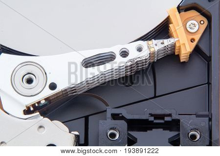 disassembly hard drive disk and its components