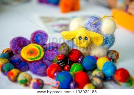 Felting wool, wool products, flower made of wool