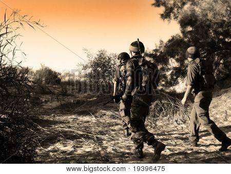 Patrouille-Soldaten auf die Aufgabe