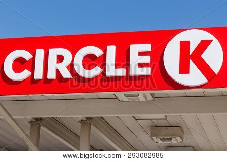 Lafayette - Circa April 2019: Circle K Retail Gas Station Location. Circle K Is A Subsidiary Of Alim