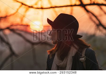 Portrait Of Beautiful Woman In Sunset. Beautiful Young Woman Portrait. Beautiful People. Happy Peopl