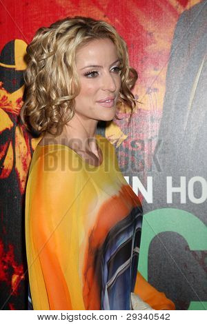 LOS ANGELES - JAN 25:  Chantal Sutherland arrives at  the