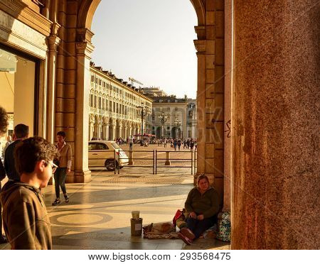Turin, Beggars And Tramp
