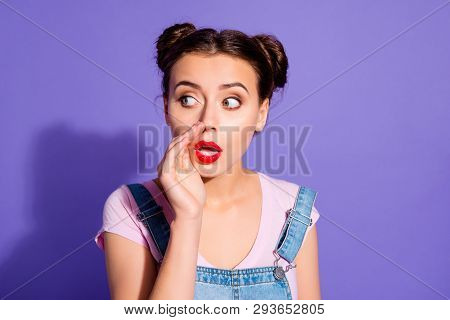 Close Up Photo Beautiful Funny She Her Lady Two Buns Arm Mouth Spread Rumours News Bad Person Red Li