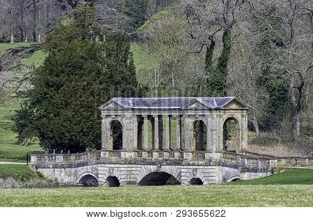 Stowe, Buckinghamshire, Uk - March 28: Octagon Lake And Palladian Bridge On March 28, 2019 In Stowe,