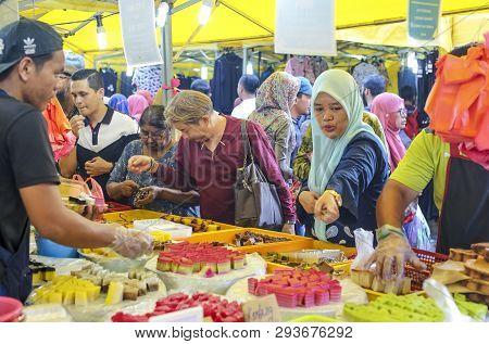 Night Market At Jalan Tuanku Abdul Rahman