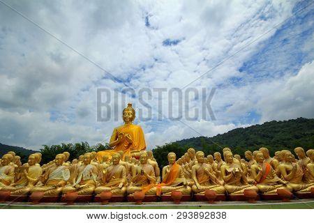 Take Photo Of  Buddha Statue Sitting   Image Of 1250 Monks Chant Around The Buddha Image At  Phuttha
