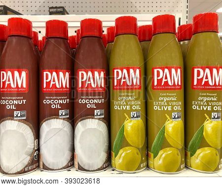 Alameda, Ca - Oct 28, 2020: Grocery Store Shelf With Cans Of Pam Brand No Stick Cooking Spray. Cocon