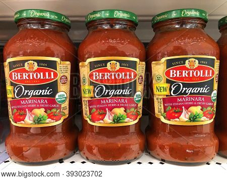 Alameda, Ca - Oct 28, 2020: Grocery Store Shelf With Jars Of Bertolli Brand Organic Marinara Sauce W