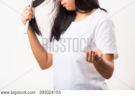 Asian Woman Weak Hair Problem Her Use Comb Hairbrush Brush Her Hair And Showing Damaged Long Loss Ha