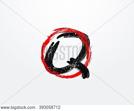 Q Letter Logo With Red Circle Grunge Splatter Element. Retro Q Logo Design Template.