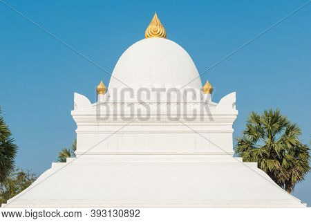 An Iconic 'watermelon' Stupa In Wat Wisunalat Is Luang Prabang's Oldest Temple After Renovated. This