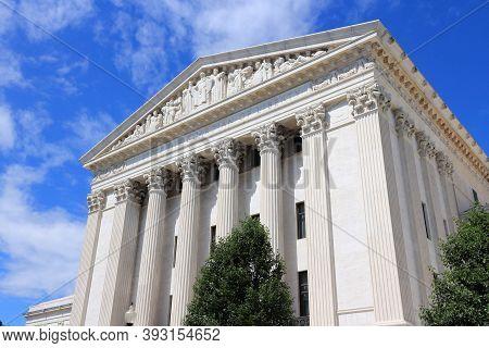 U.s. Supreme Court, Landmark Building In Washington Dc, Usa.