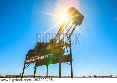 Coober Pedy, South Australia, Australia - Aug 28, 2019: Backlight Against The Sunlight On The Coober