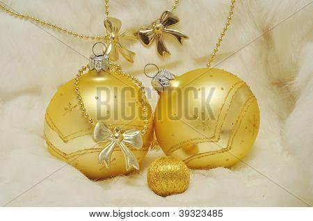 Christmas Creative - An Ideal Family