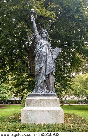 Paris, France - August 29, 2019 : Statue Of Liberty Replica In Luxembourg Gardens, Jardin Du Luxembo
