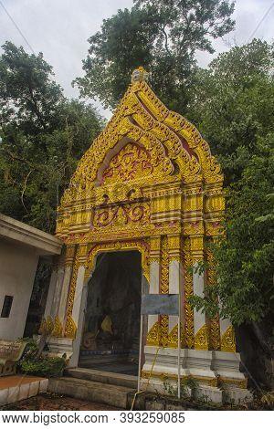 Ratchaburi, Thailand -  28,08,2018  Wat Khao Chong Pran Temple For People Pray To Buddha And Look Hu