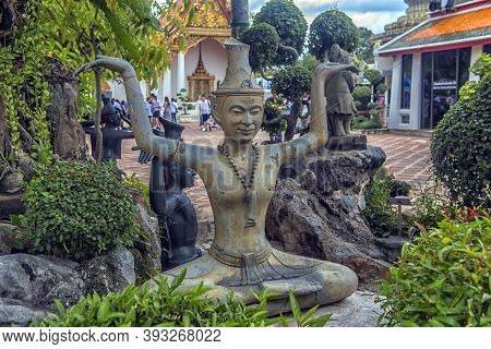 Thailand, Bangkok 08,08,2018 Statues Of Hermit At Showing A Posture Of Massage Therapy At Temple Of