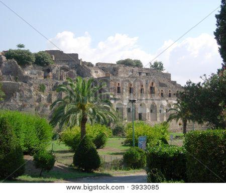Wallofpompeiiitaly