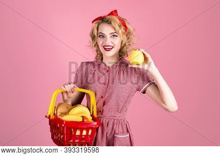 Grocery. Pin Up Woman With Shopping Cart. Pin Up Woman On Shopping. Supermarket. Shopping. Sale. Dis