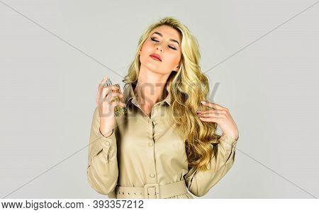 Enhancing Confidence. Gourmet Composition For Women. Favorite Fragrance. Apply Fragrance Skin. Attra