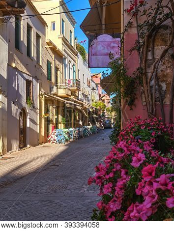 Beautiful View Of Narrow Streets Of Old Town Of Chania, Crete, Greece In Early Morning. Street Cafes