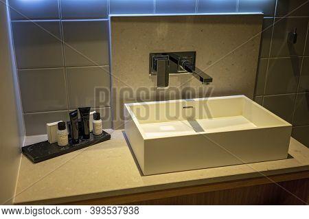 Townsville, Queensland, Australia - October 2020: Upmarket Porcelain Basin In Hotel Guest Bathroom W