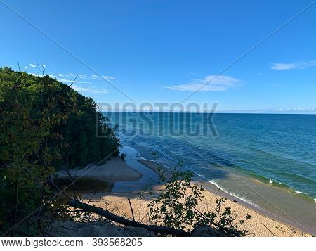 Lake Michigan Shoreline. Lake Michigan Hoffmaster Stste Park. Beautiful Michigan Landscape In Summer