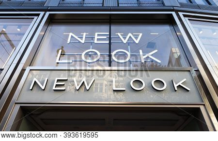 London / Uk - November 5th 2020 - Exterior Of New Look Store On Oxford Street. New Look Is A British