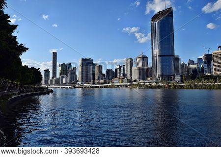 The Tall Modern Glass Skyscraper 1 William Street Near The Brisbane River