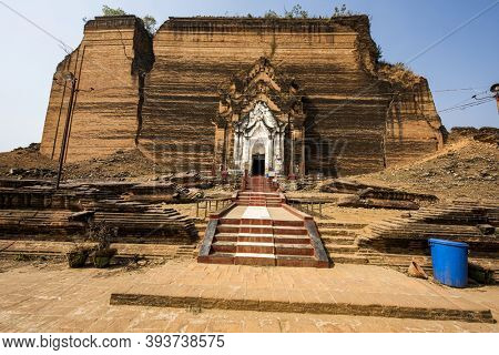 Ruined and unfinished Mingun Pahtodawgyi pagoda in Mingun could have been the largest stupa in the world. Western bank of Irrawaddy river, Myanmar