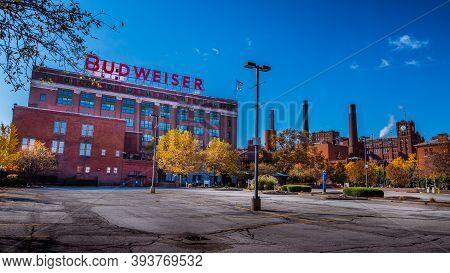 Saint Louis, Mo--nov 7, 2020; View Of Anhueser Busch Brewery With Landmark Brick Factory Where Budwe