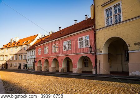 Prague, Czech Republic - September 19, 2020. Old Architecture With Arcades In Loretanska Street With